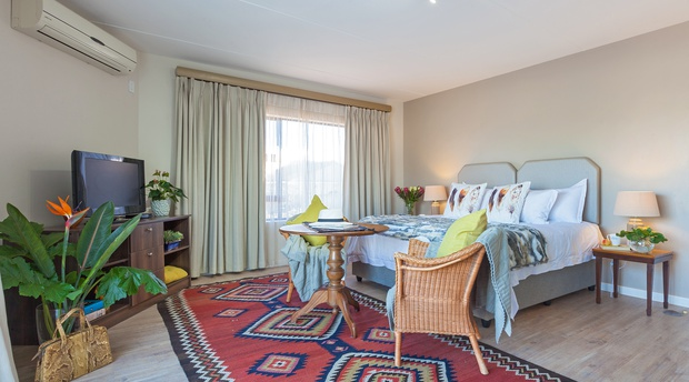 bedroom holiday accommodation in cape town paperbark manor