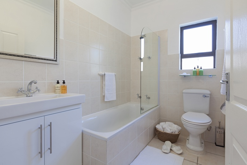 classy bathroom holiday accommodation in cape town
